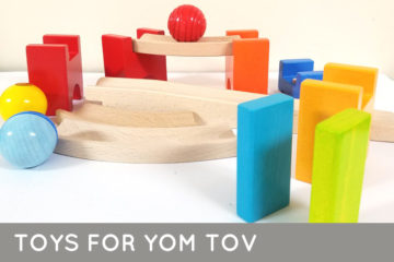 These 26 non-electronic toys and games include ideas for all ages! They are perfect for long yom tov and holiday afternnons, including Rosh Hashanah, sukkot, sukkos, and even yom kippur for little kids. You'll find cool toys appropriate to play on Pesach/Passover and Shavuot too.