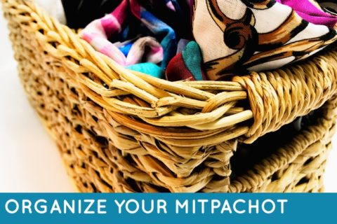 Keep your mitpachot and snoods organized with these great ideas. These tips will help you organize mitpachot.
