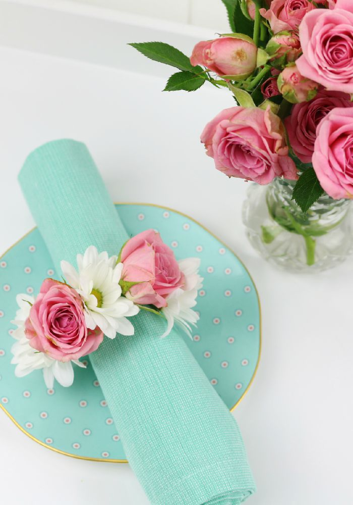 DIY flower napkin rings perfect for Shavuot