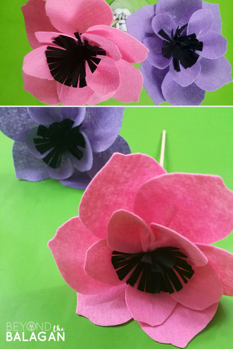 Make these beautiful DIY felt flowers for Shavuot - use the free pritnable template for this cool spring craft! #feltflowers #felt #beyondthebalagan